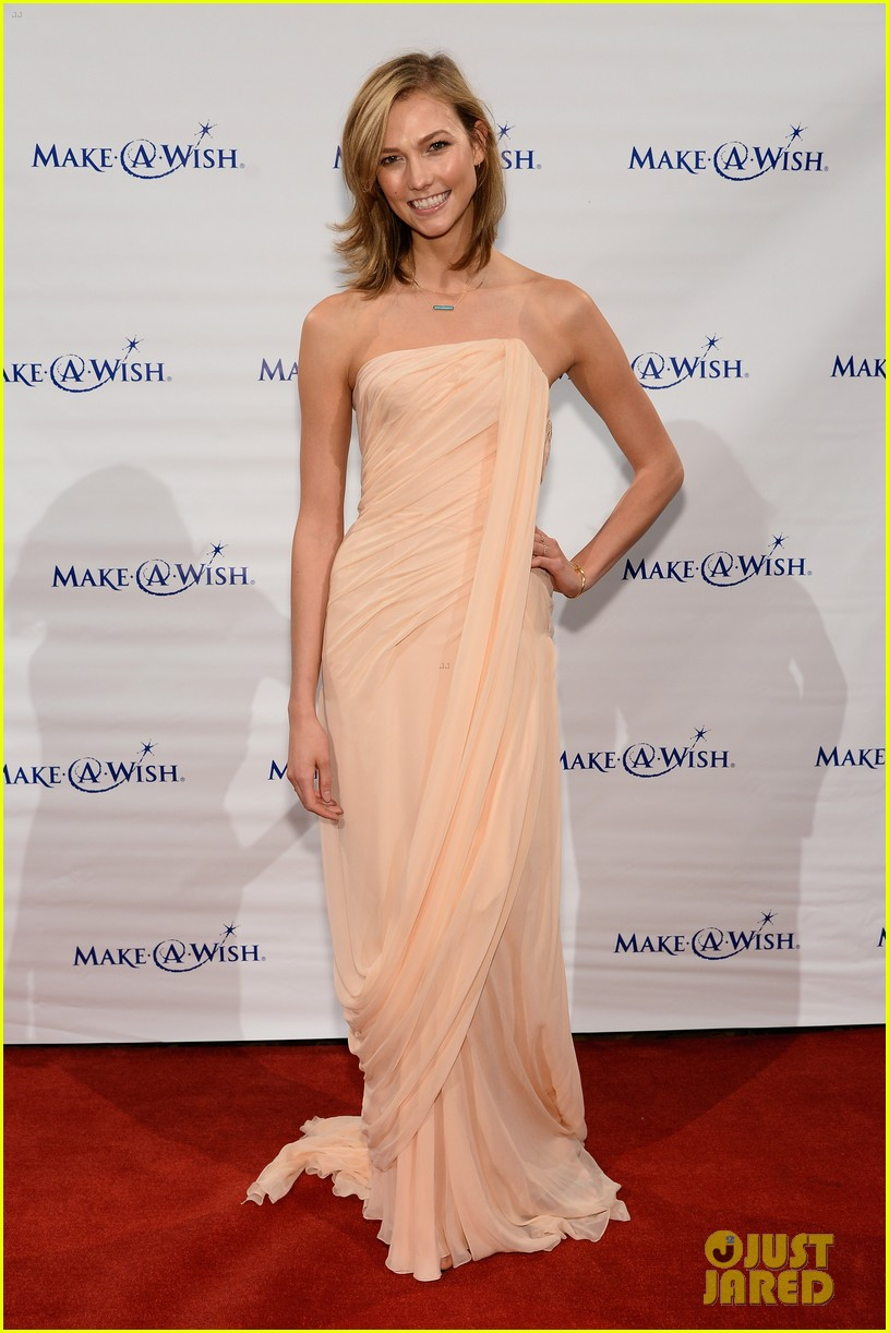karlie kloss is a true angel at make a wish gala 01
