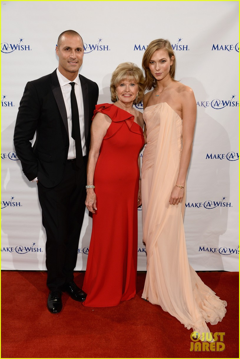 karlie kloss is a true angel at make a wish gala 083134669
