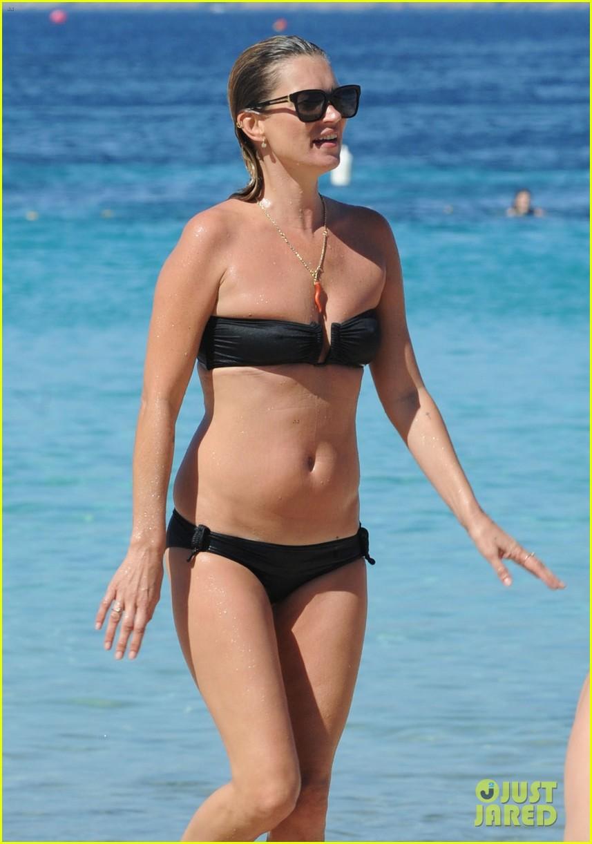 kate moss bikini bod soaking sun ibiza 013145866