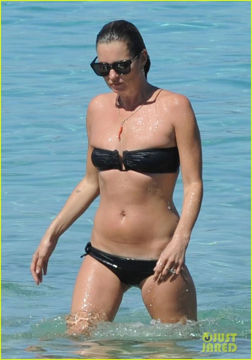 kate moss bikini bod soaking sun ibiza 053145870