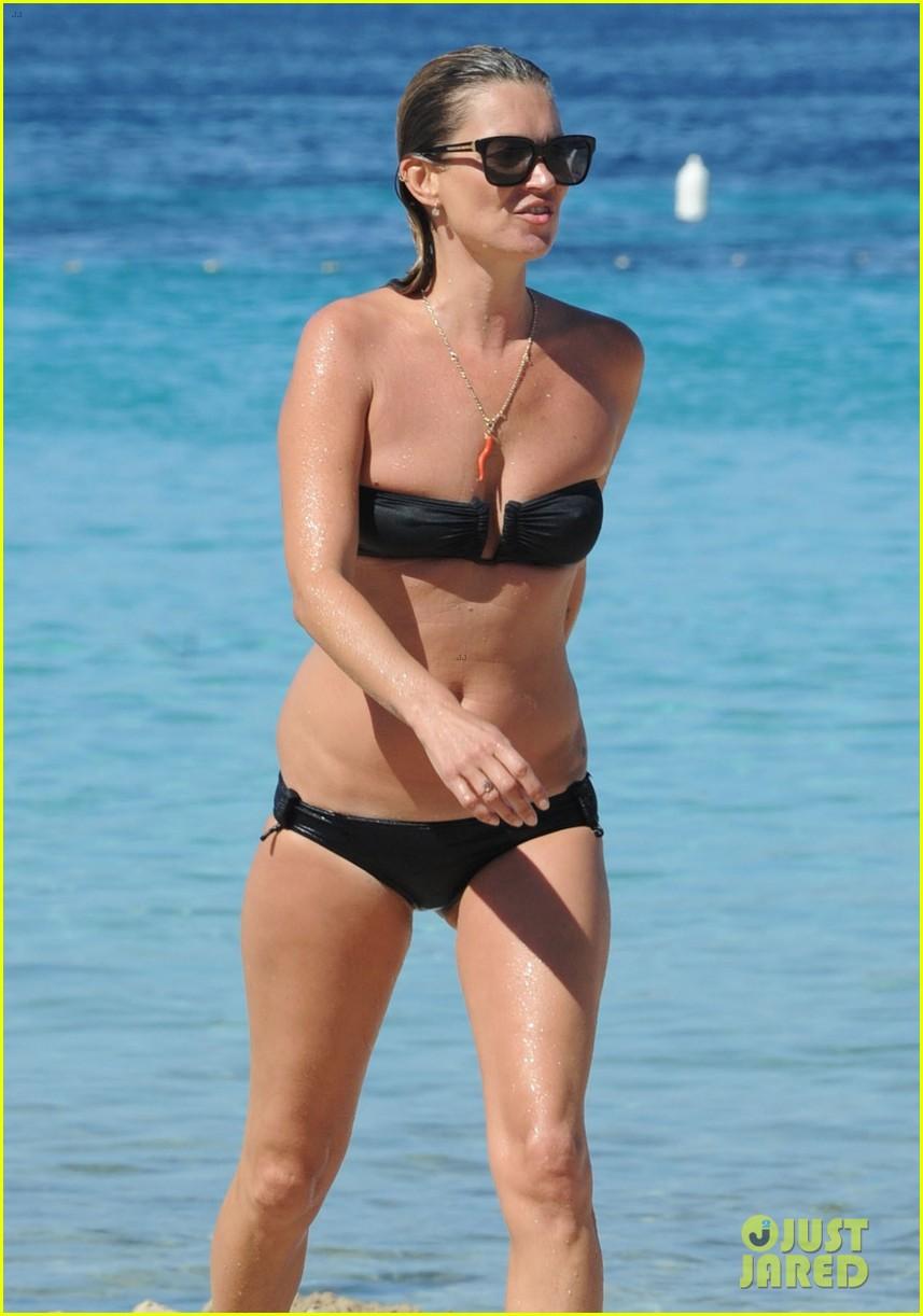 kate moss bikini bod soaking sun ibiza 063145871