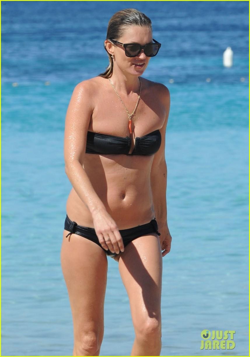 kate moss bikini bod soaking sun ibiza 073145872