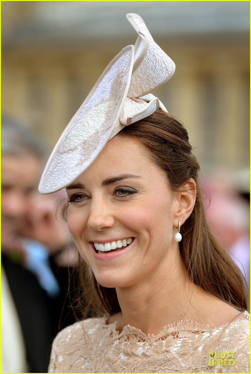 kate pippa middleton class acts separate events in england 023132658