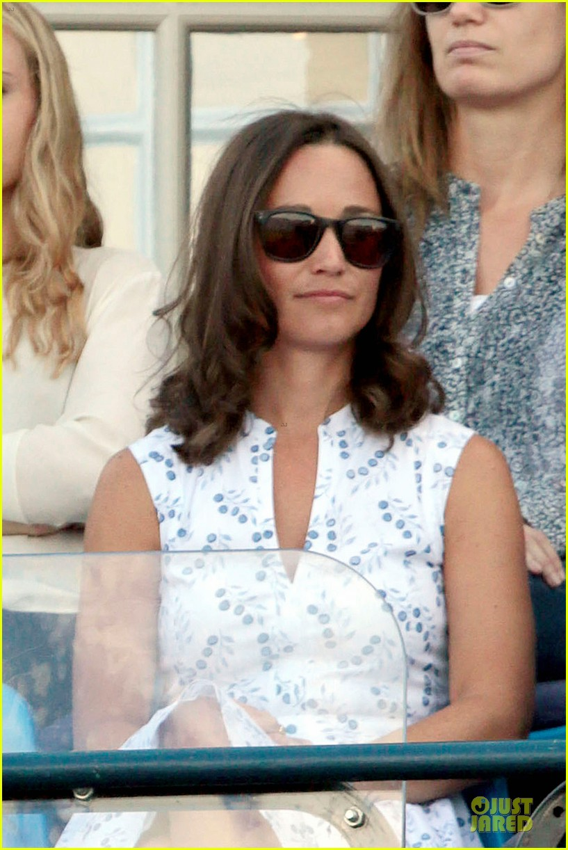 kate pippa middleton class acts separate events in england 093132665