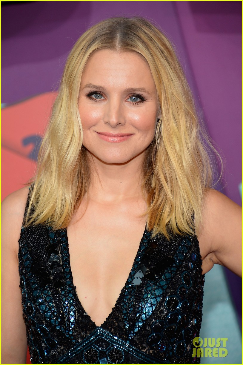 kristen bell cmt music awards 013128308