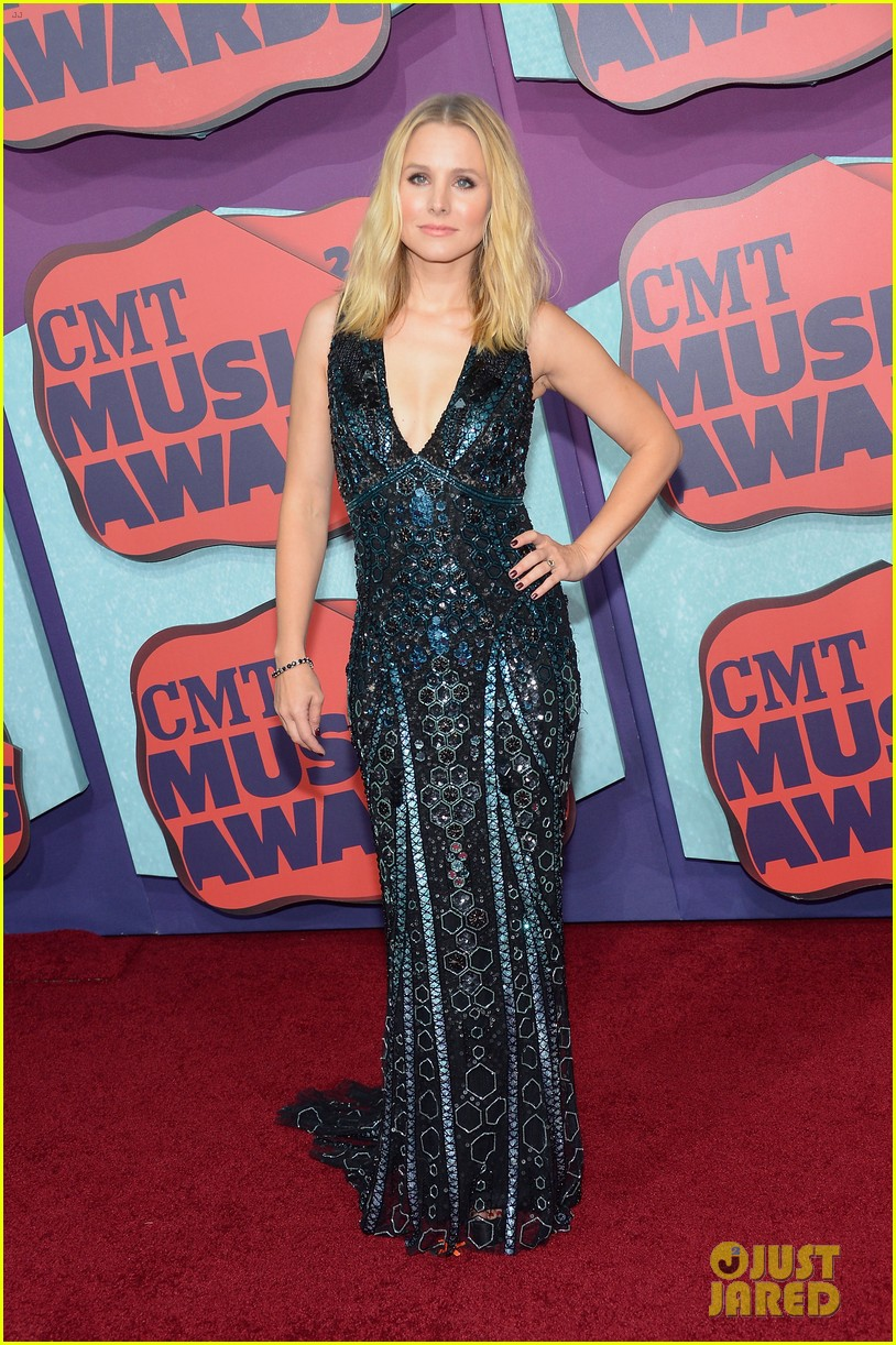 kristen bell cmt music awards 023128309
