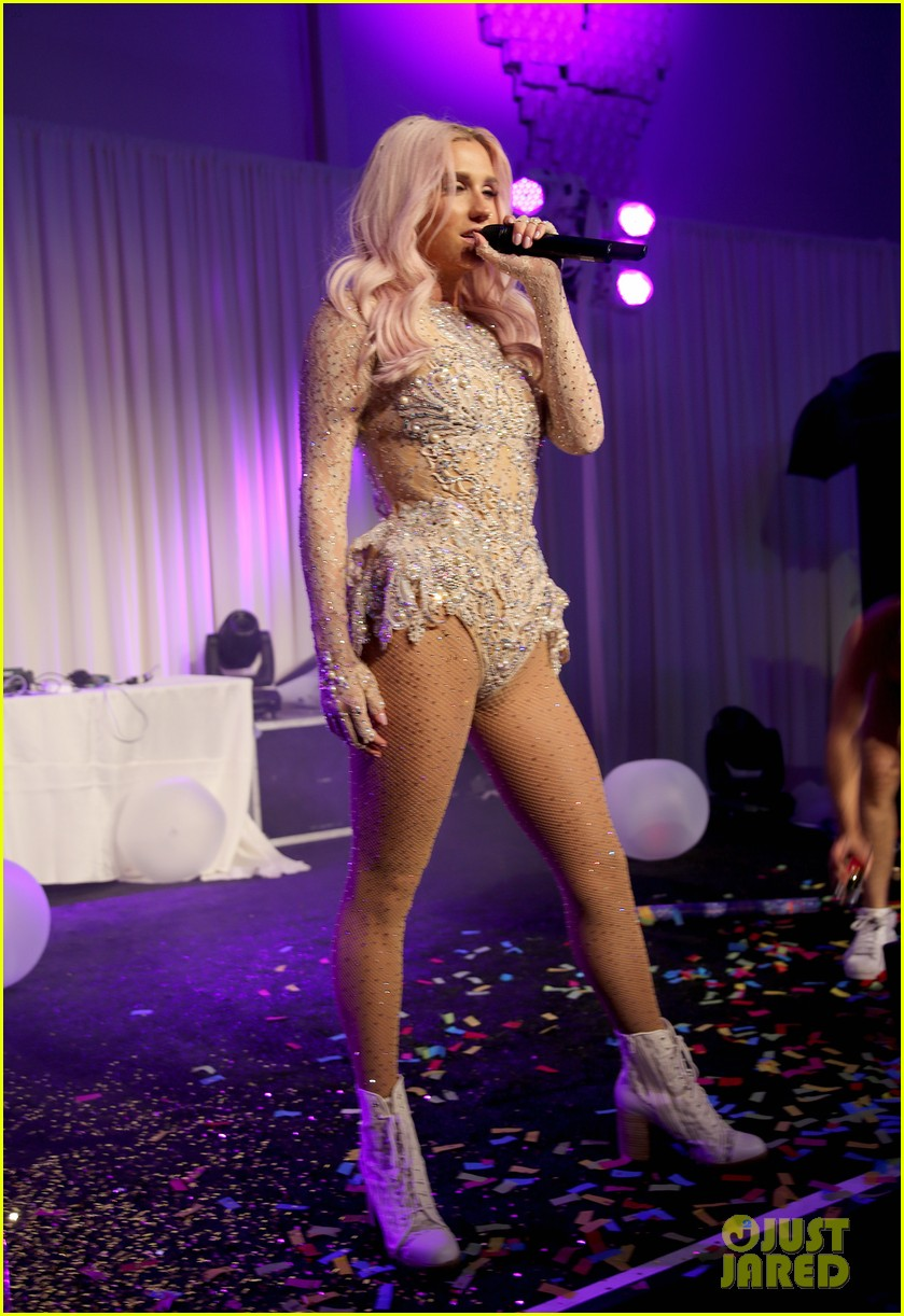 kesha wears sparkly sexy leotard for performance 043134056