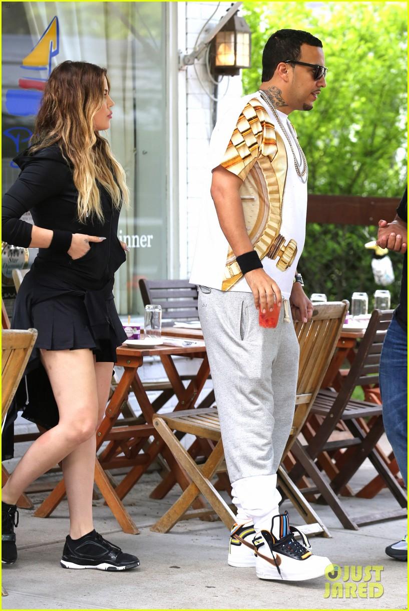 kourtney khloe kardashian double date with their men 073134324