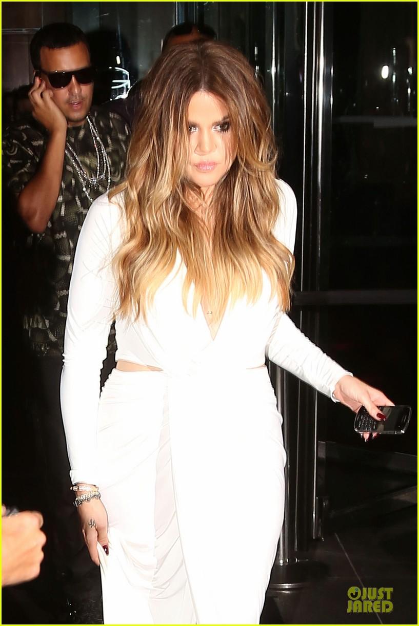 khloe kardashian white affair on 30th birthday dinner 043145200