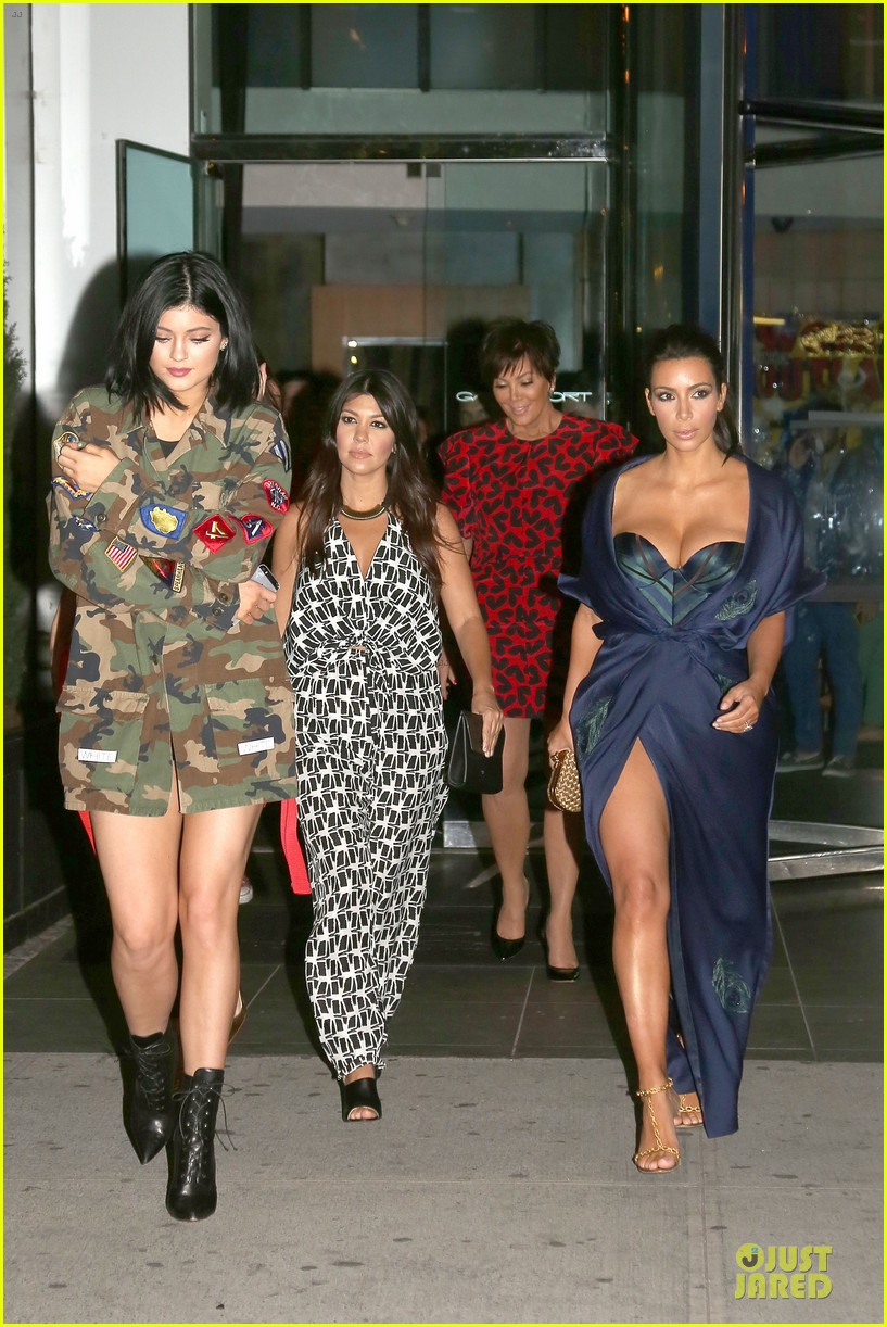 kim kardashian cleavage on full display for khloe birthday 243145152
