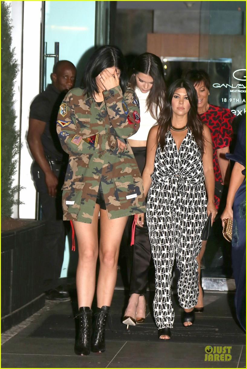 kim kardashian cleavage on full display for khloe birthday 263145154