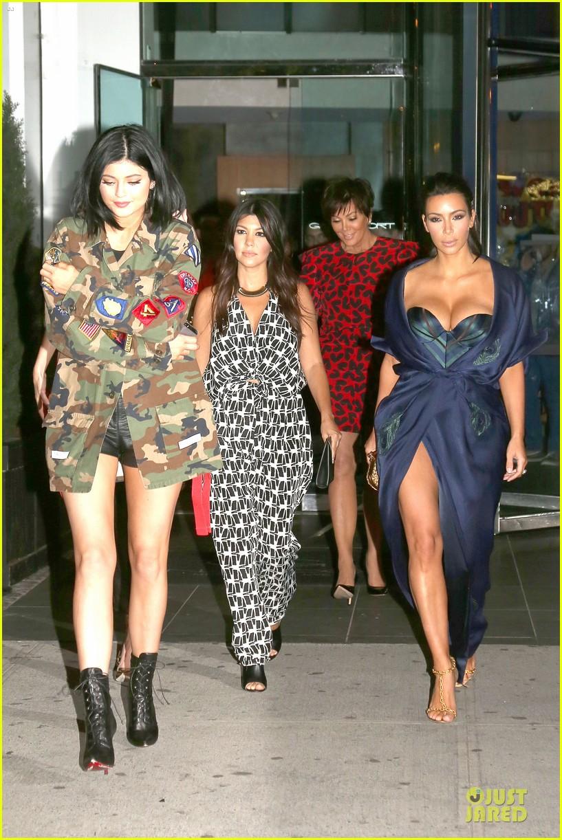 kim kardashian cleavage on full display for khloe birthday 273145155