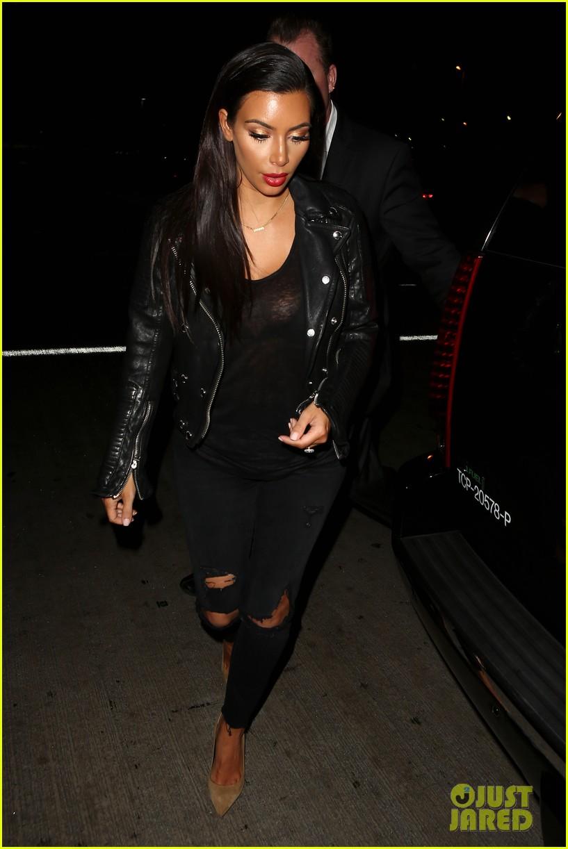 kim khloe kardashian take night flights out of lax 213142933