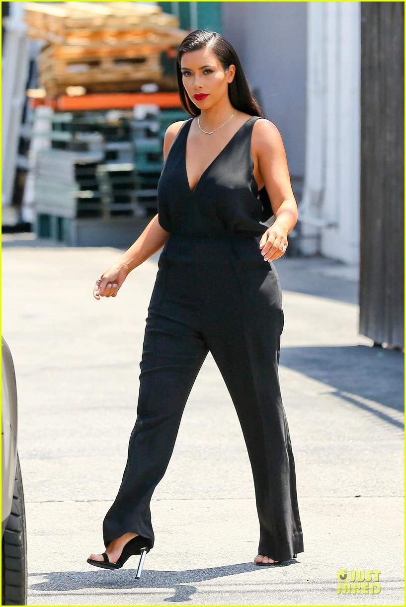 kim khloe kardashian looking for dash store interns 223142643