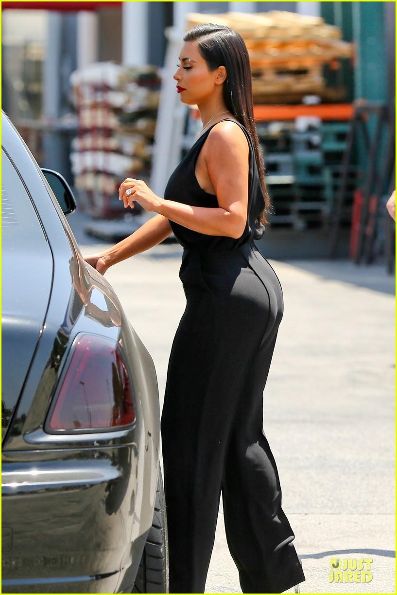 kim khloe kardashian looking for dash store interns 243142645