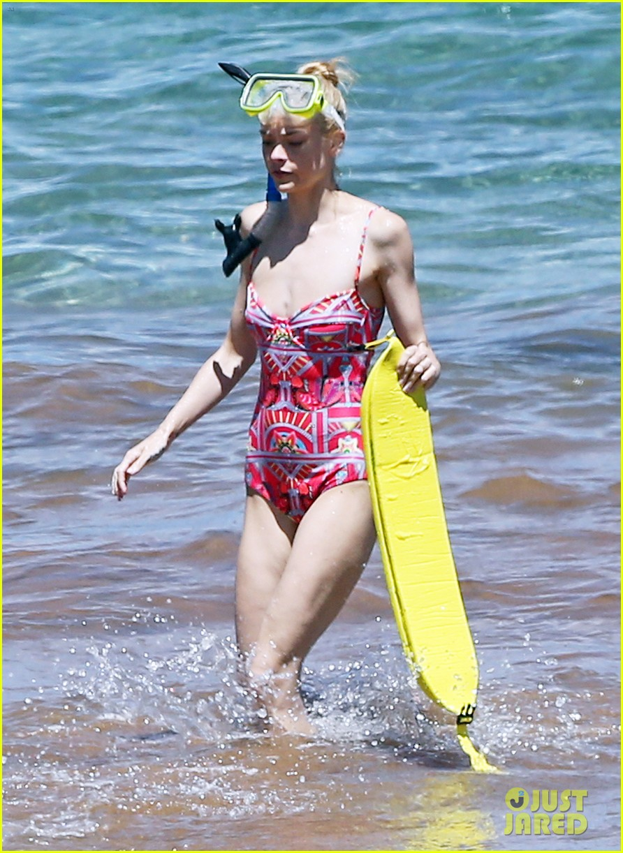 jaime king one piece swimsuit snorkeling hawaii 05