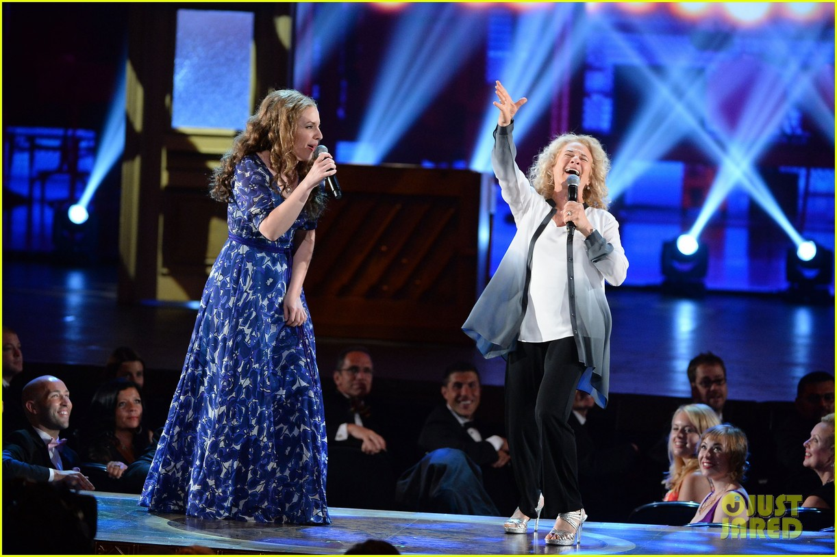 carole king jessie mueller tony awards 2014 033131470