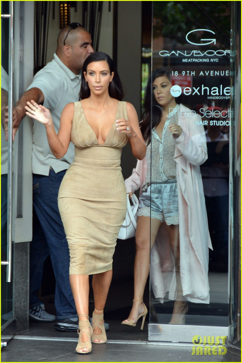 kim khloe kourtney kardashian have lunch together 203144139