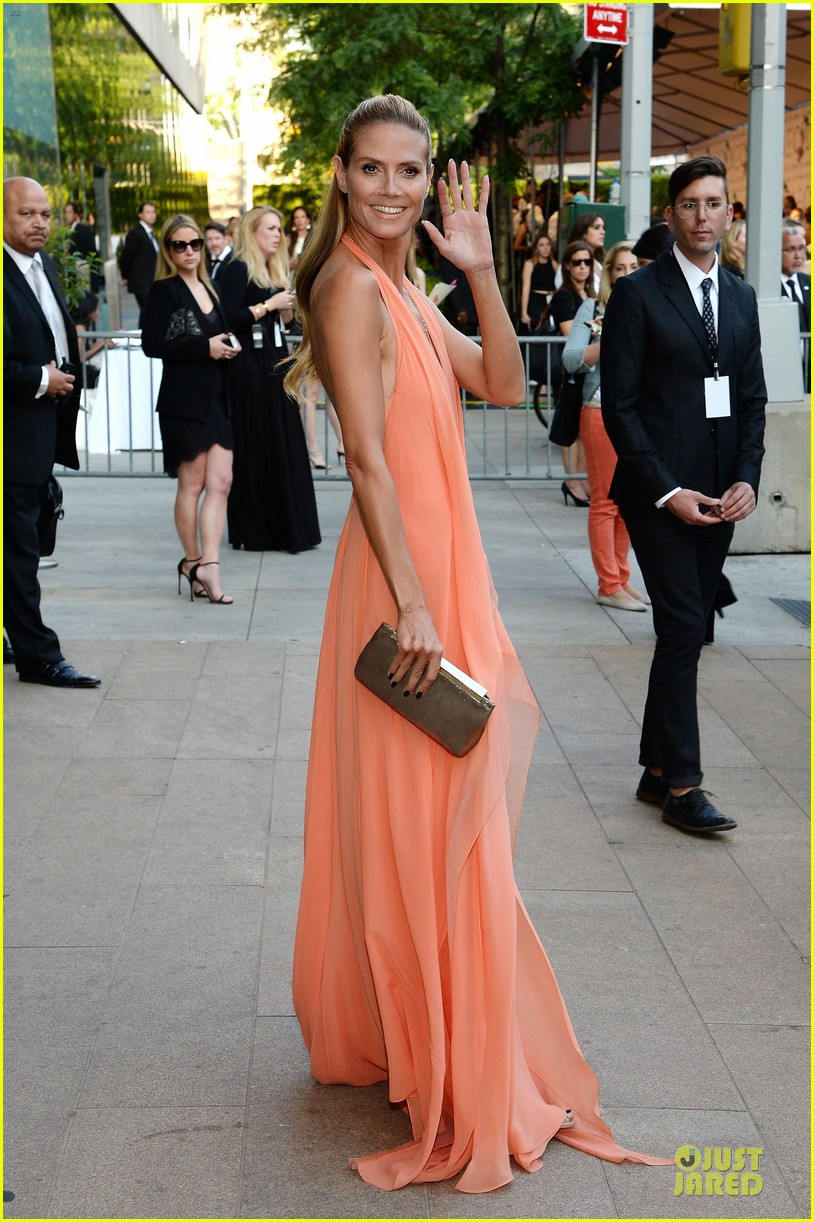 heidi klum alessandra ambrosio bright at cfda awards 2014 073126843