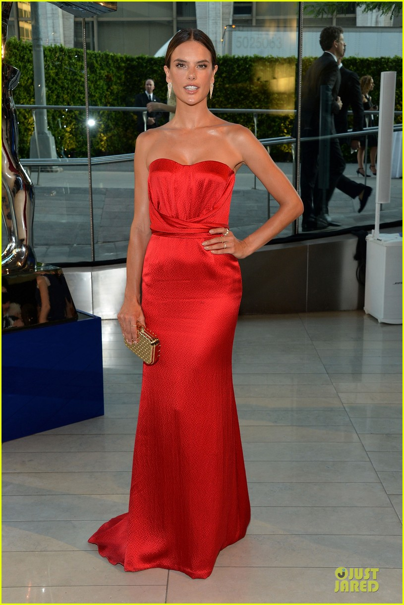 heidi klum alessandra ambrosio bright at cfda awards 2014 083126844
