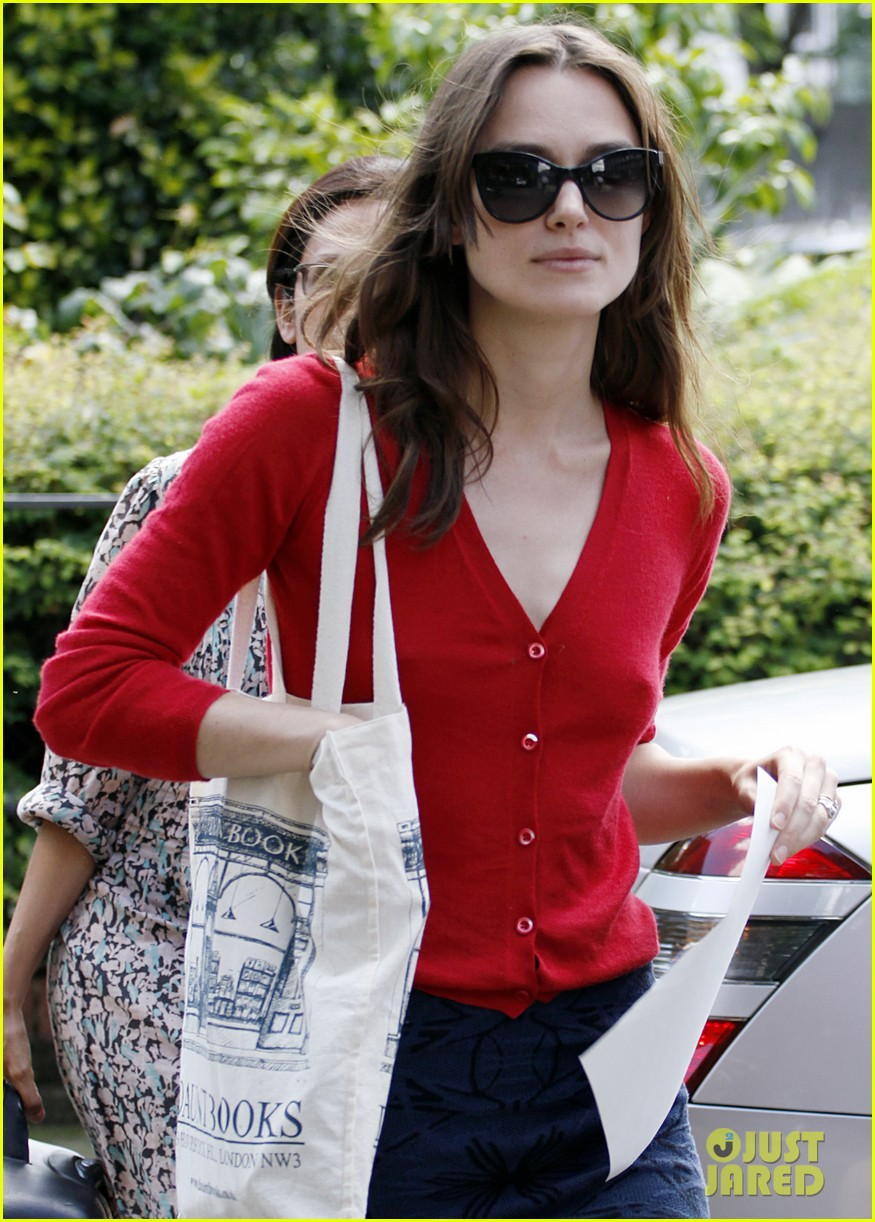 keira knightley gives herself a 50000 salary a year 203133247