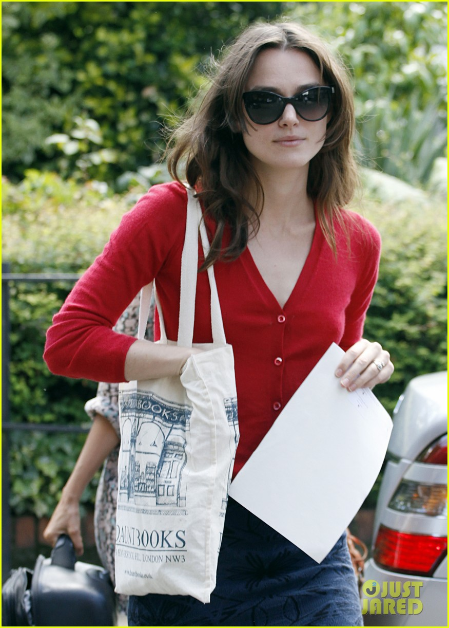 keira knightley gives herself a 50000 salary a year 213133248
