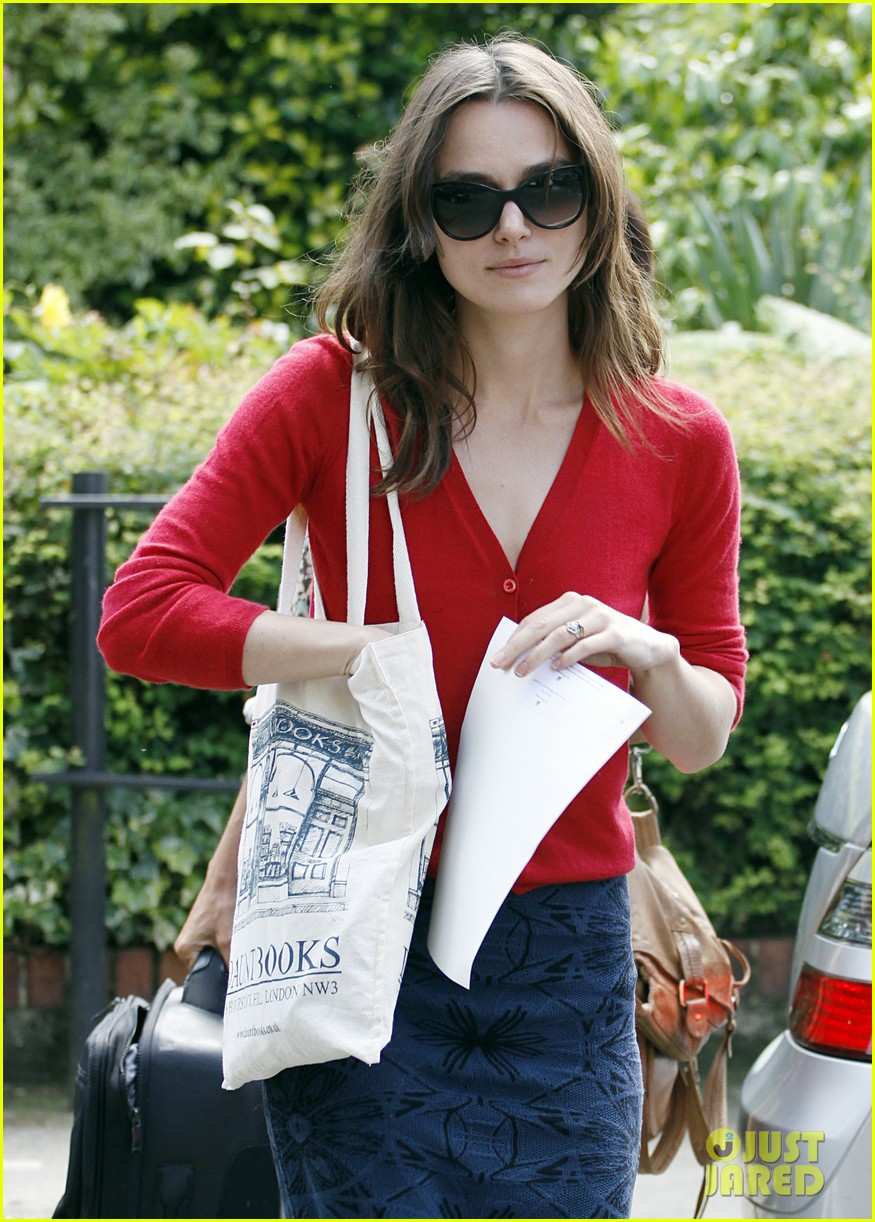 keira knightley gives herself a 50000 salary a year 223133249