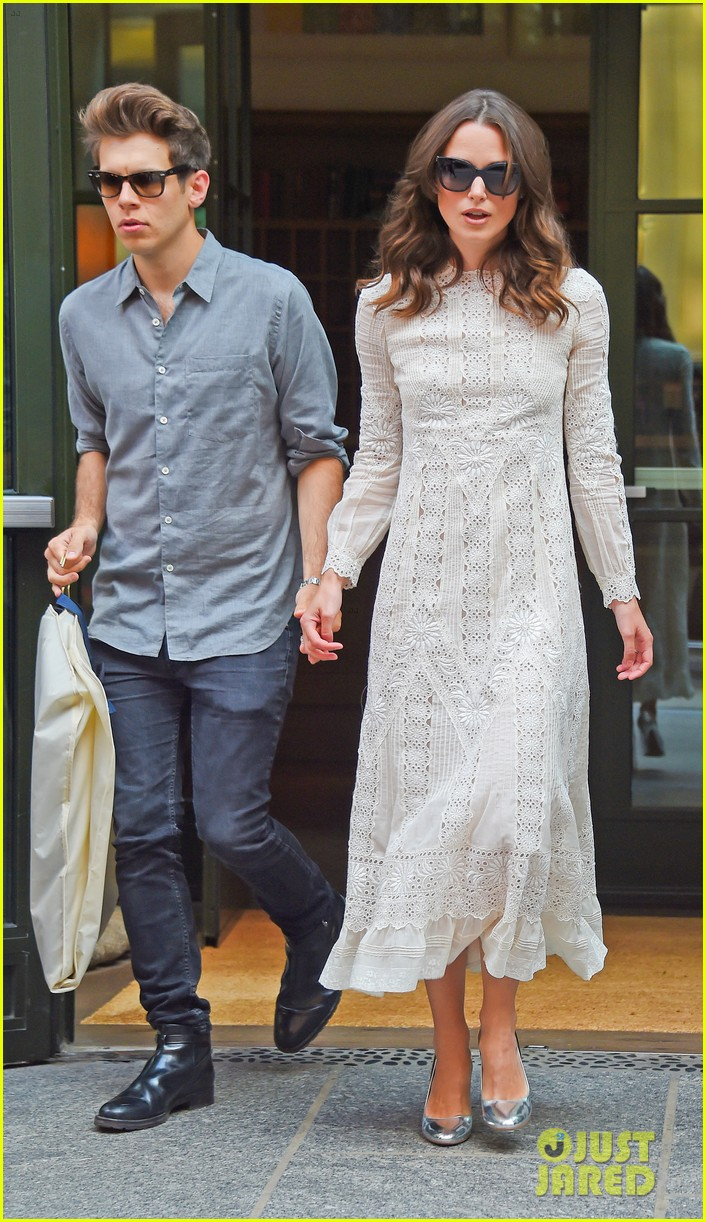 keira knightley james righton begin again premiere 053143397