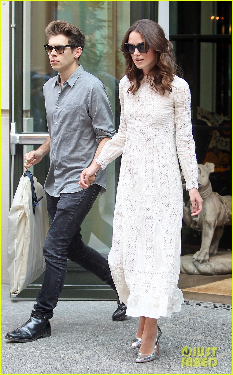 keira knightley james righton begin again premiere 233143415