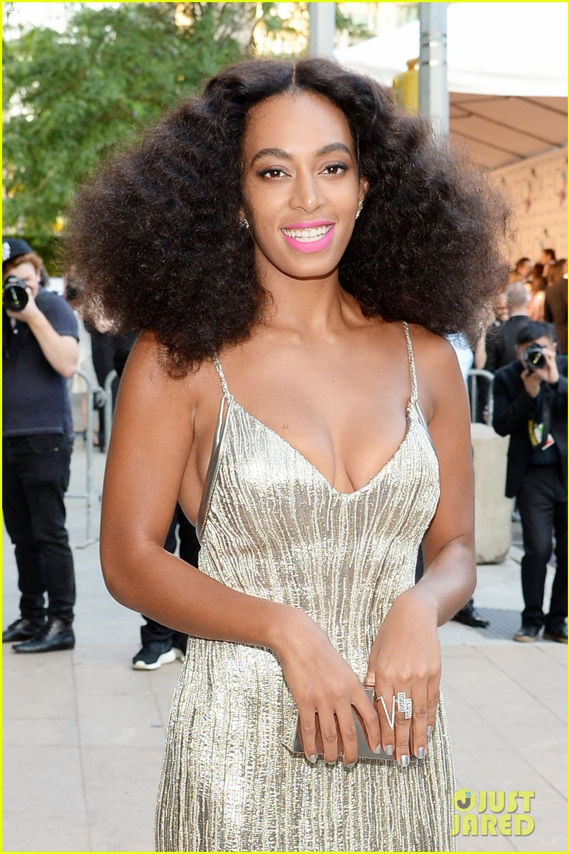 solange knowles rachel roy attend cfda fashion awards 043126801