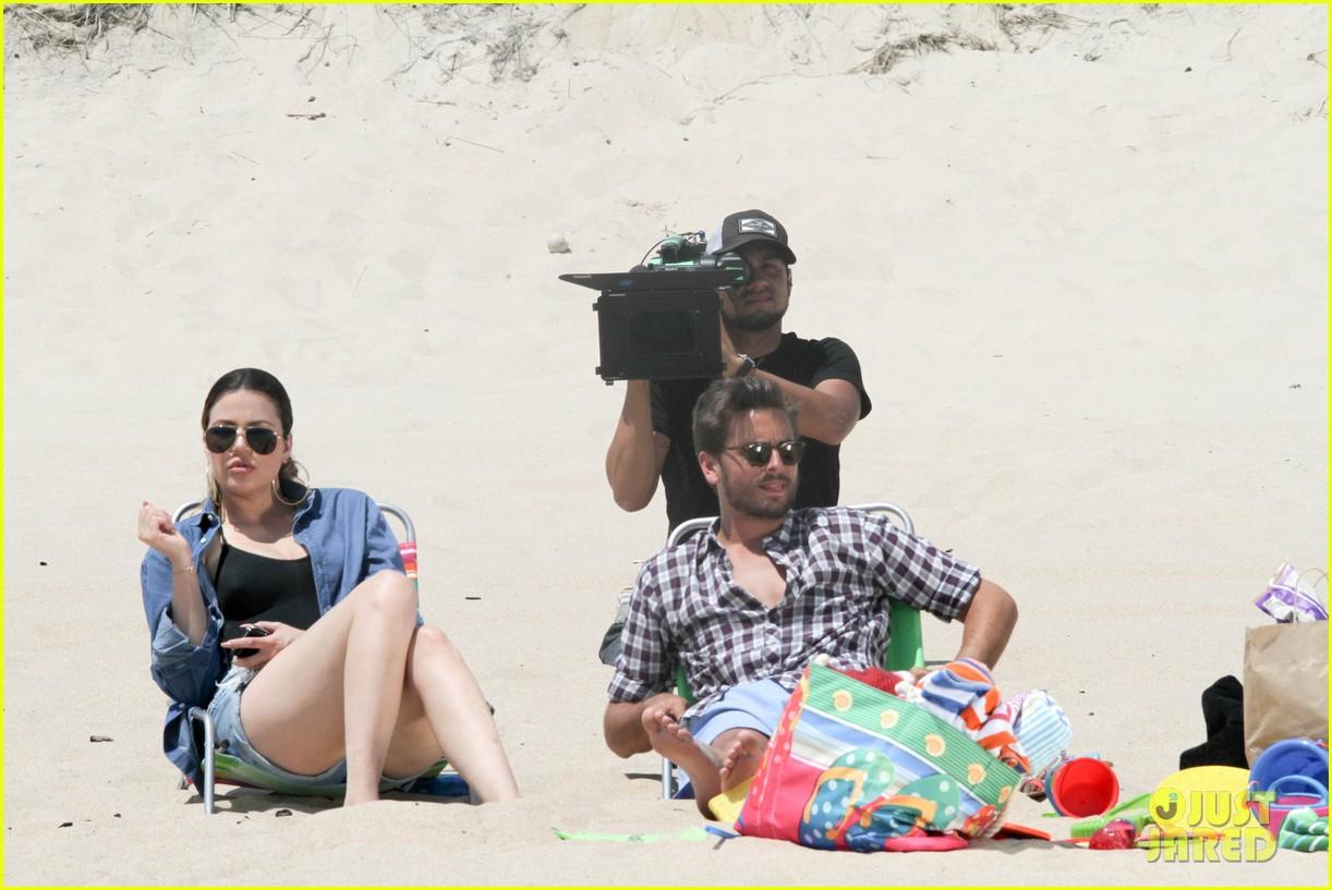 kourtney kardashian scott disick hit the beach breakup rumors 033138288