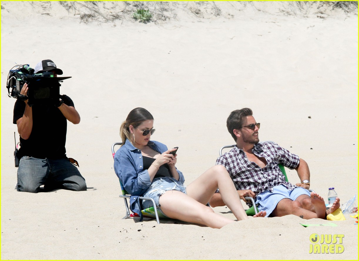 kourtney kardashian scott disick hit the beach breakup rumors 103138295