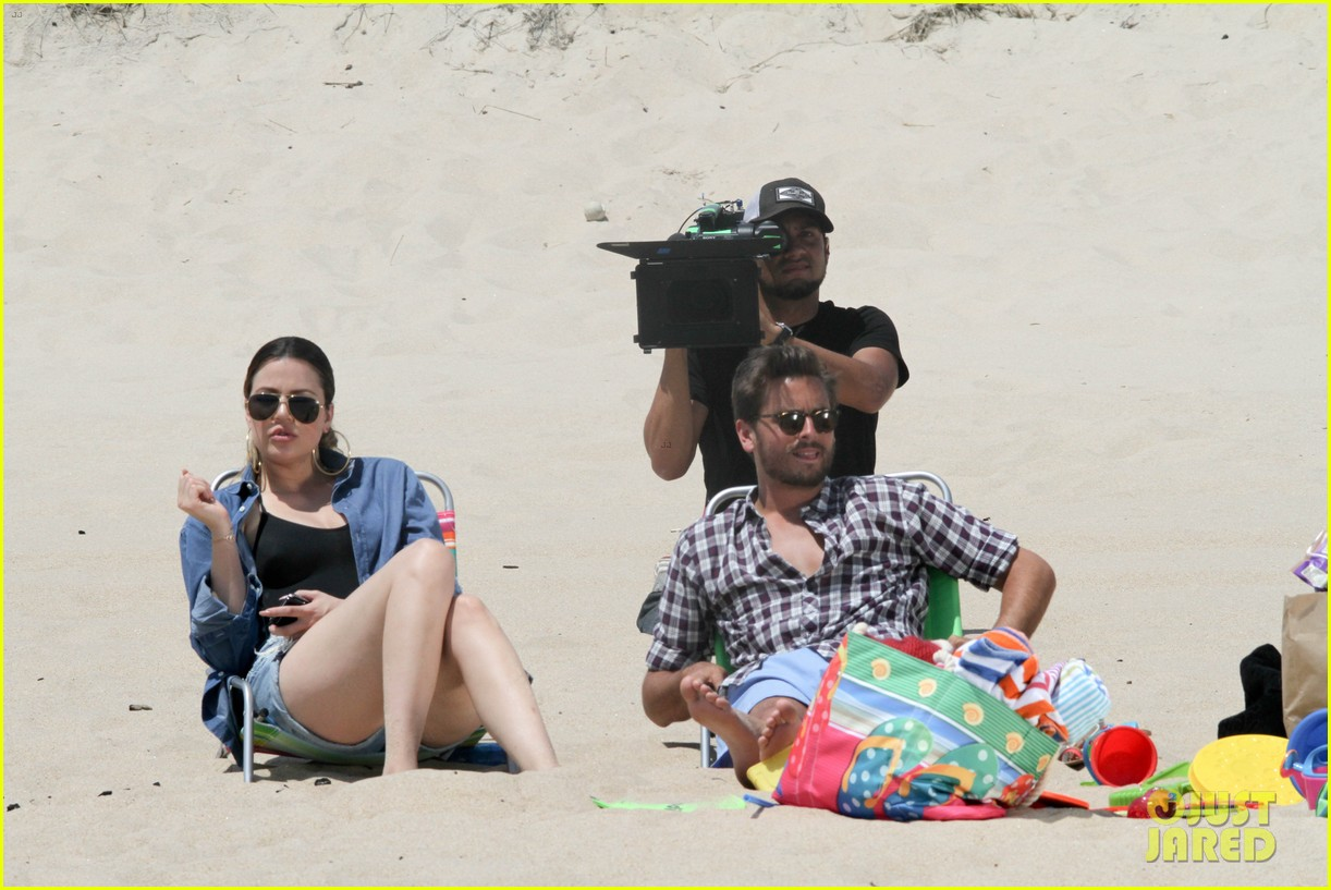 kourtney kardashian scott disick hit the beach breakup rumors 133138298