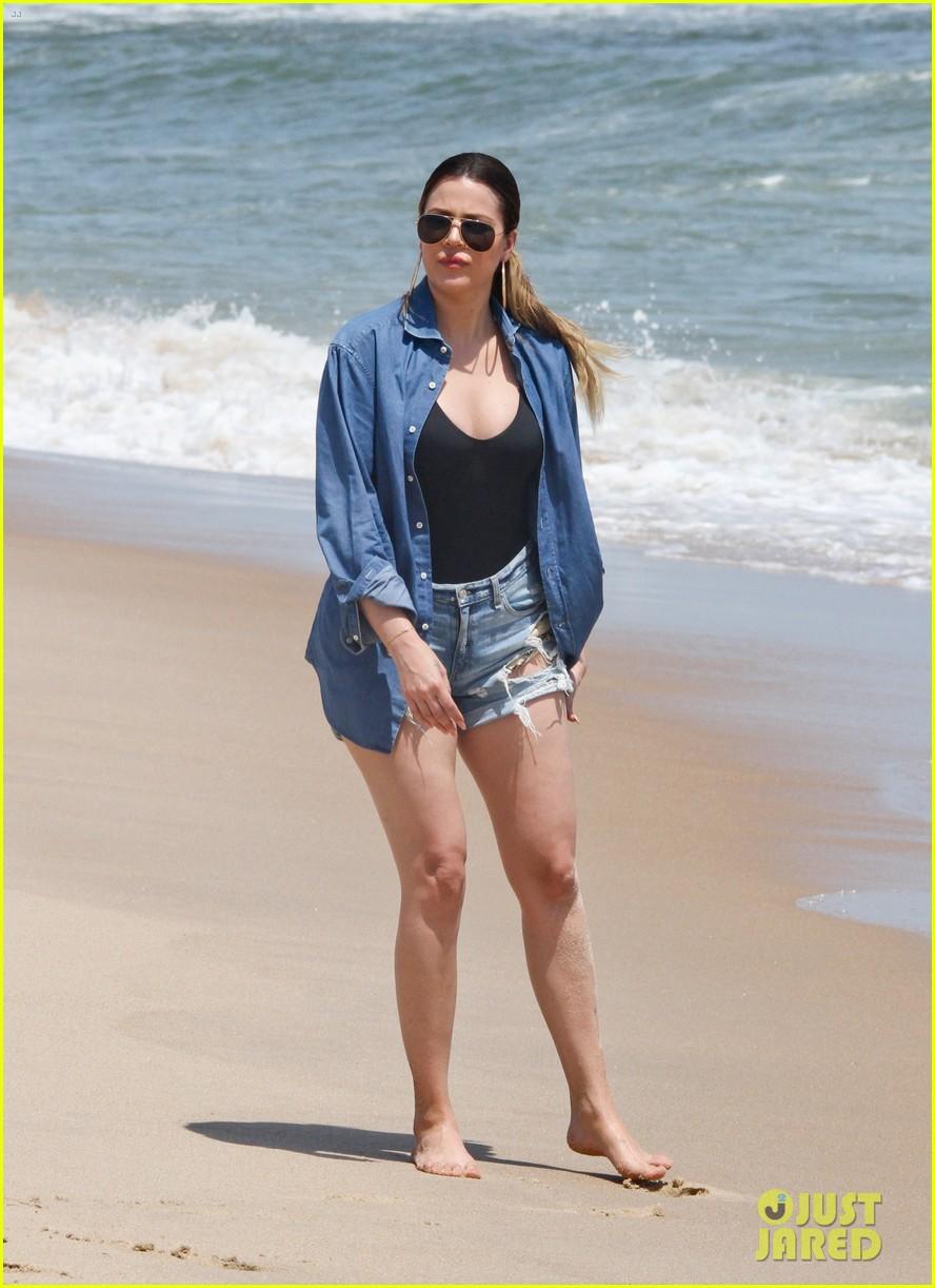 kourtney kardashian scott disick hit the beach breakup rumors 163138301