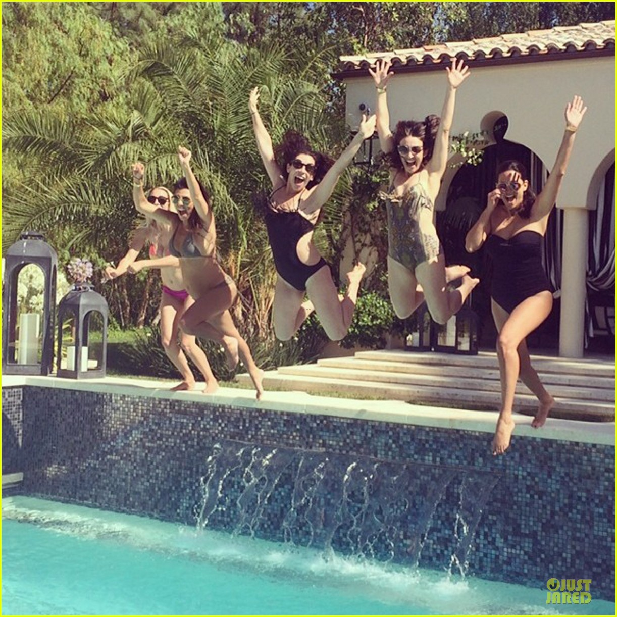 kourtney kardashian flaunts growing baby bump in bikini 053142049