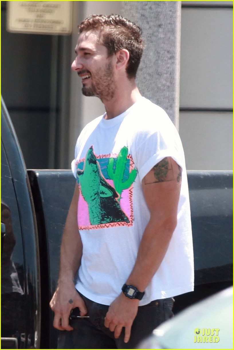 shia labeouf makes us howl at him 023135392
