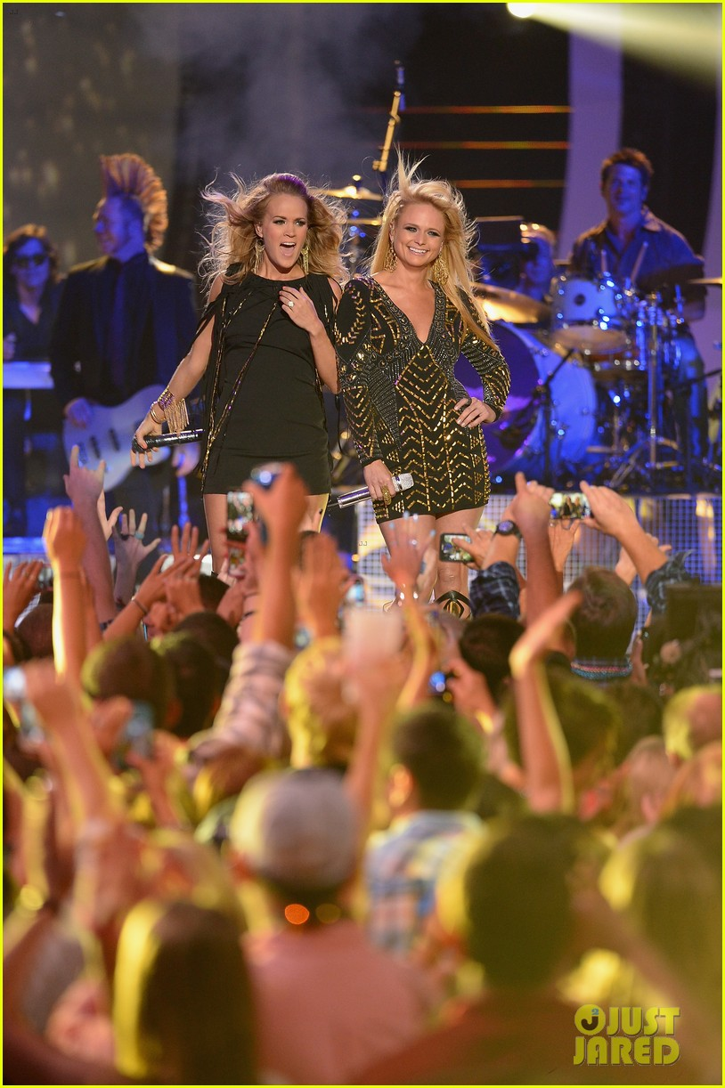 miranda lambert carrie underwood rock out cmt music awards 2014 023128550