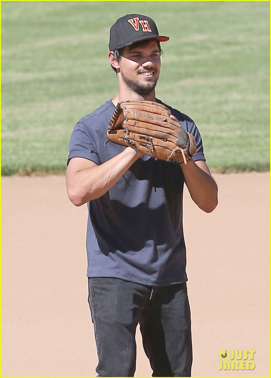 taylor lautner buff arms run the tide baseball pitch 013140532