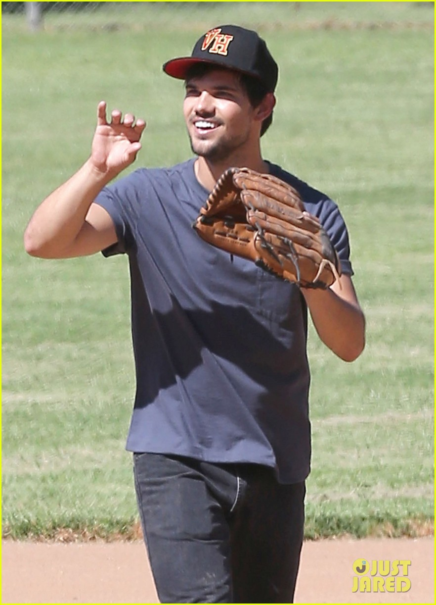 taylor lautner buff arms run the tide baseball pitch 033140534