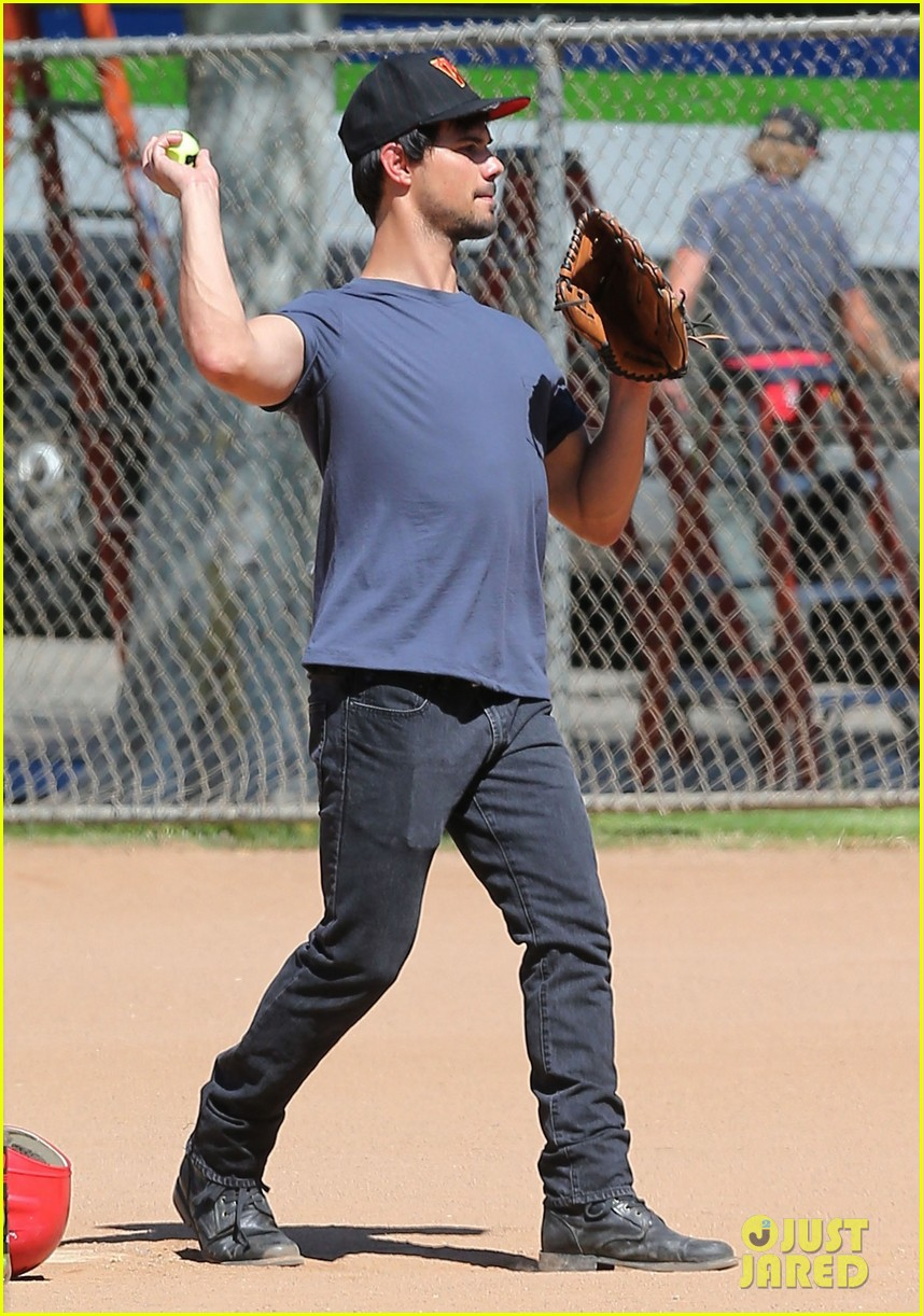 taylor lautner buff arms run the tide baseball pitch 12