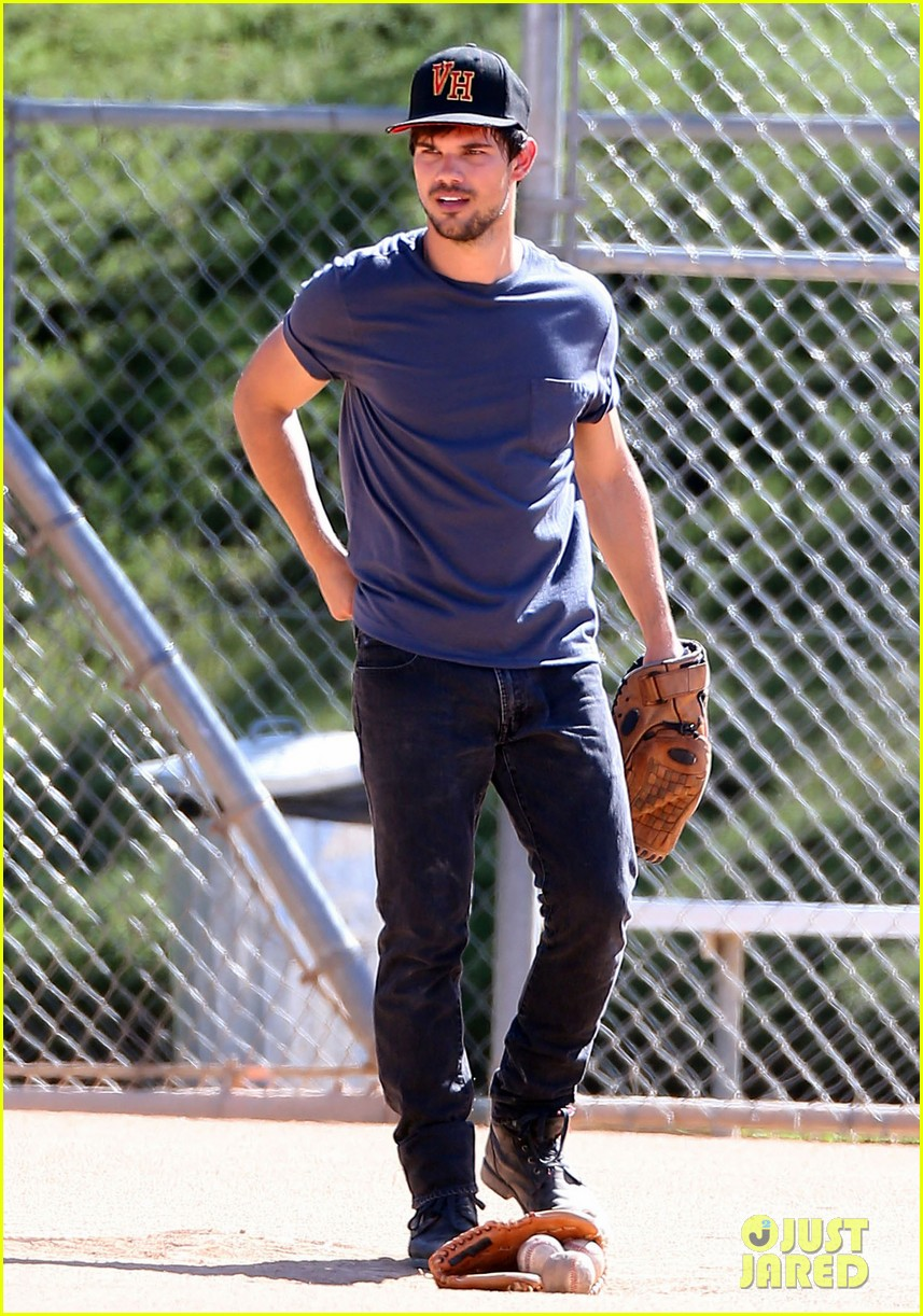 taylor lautner buff arms run the tide baseball pitch 223140553