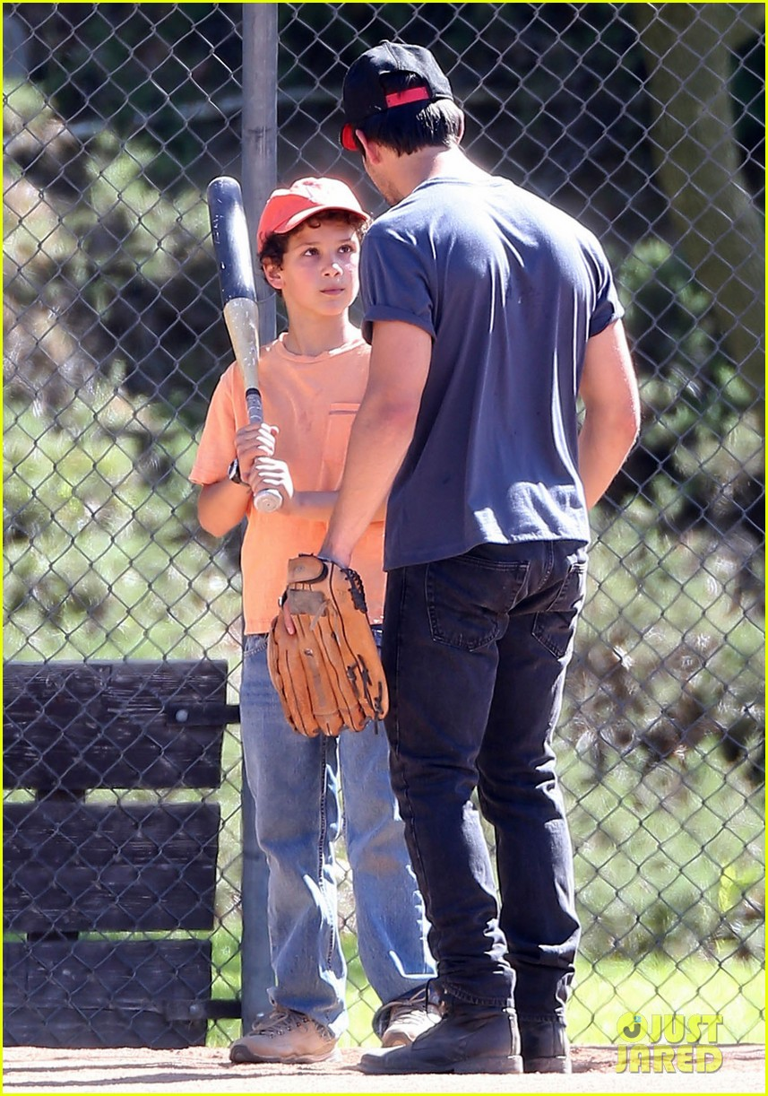 taylor lautner buff arms run the tide baseball pitch 25
