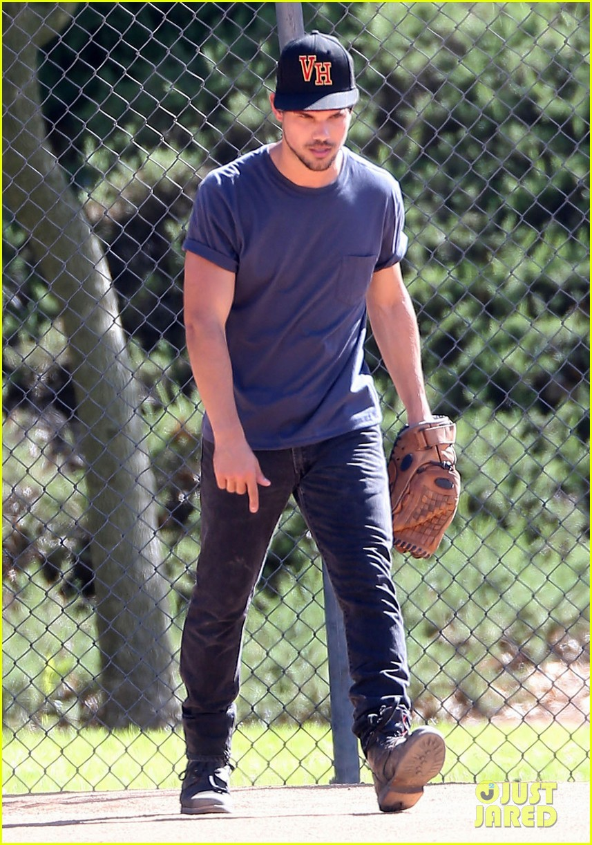 taylor lautner buff arms run the tide baseball pitch 263140557