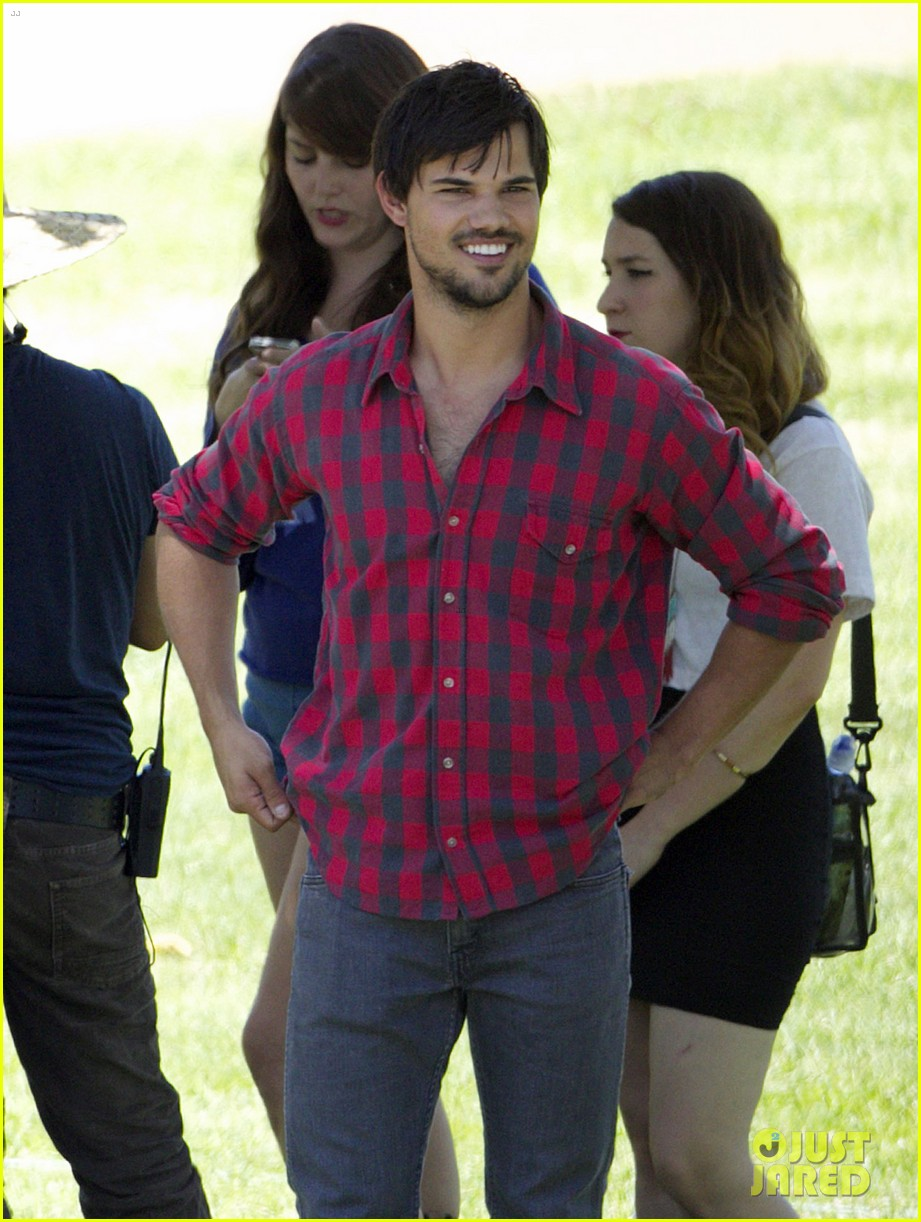taylor lautner run the tide sexy 13