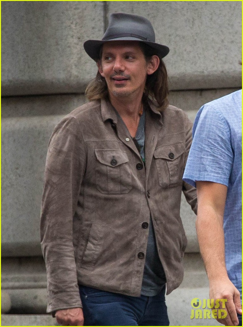 leonardo dicaprio hangs out with pals after lunch in nyc 033132510