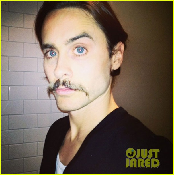 jared leto didnt shave his beard into a pornstache 033138352