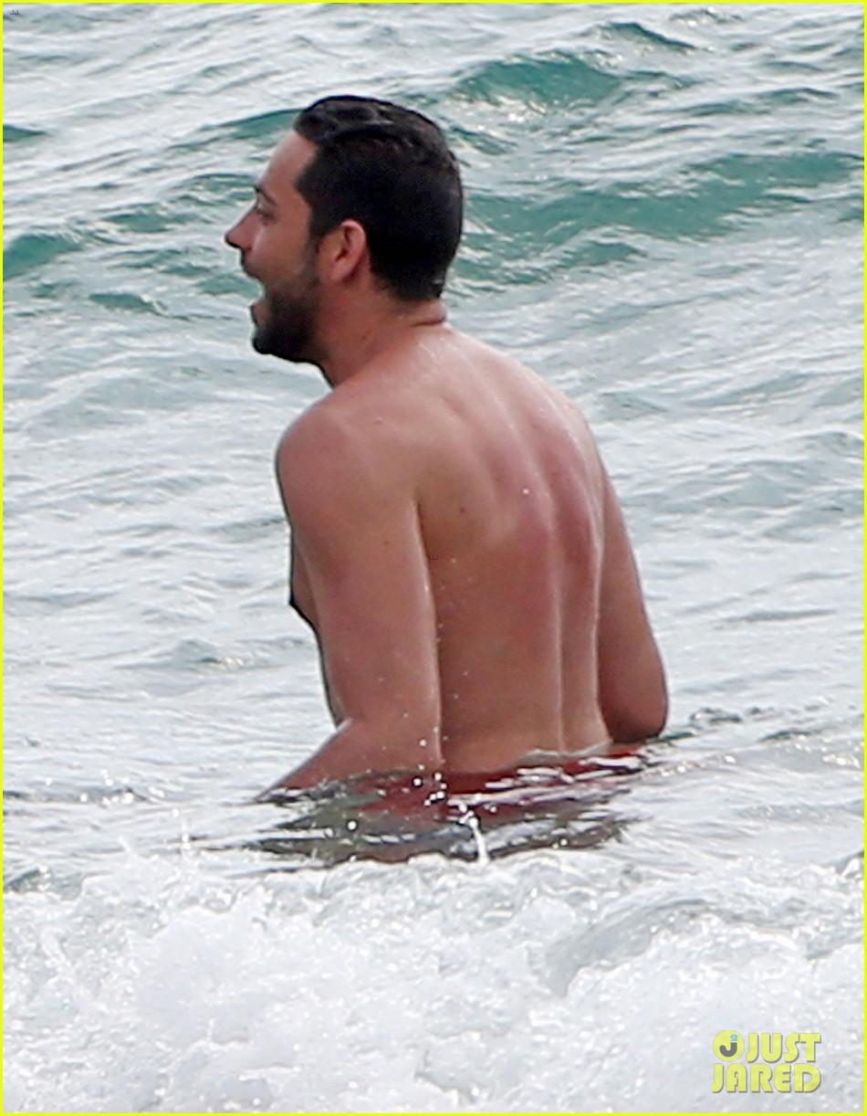 zachary levi shirtless hawaii beach vacation 193134960