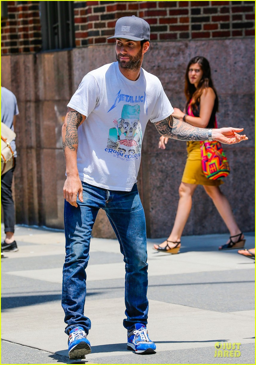 mark ruffalo is intimidated by adam levine 013145157