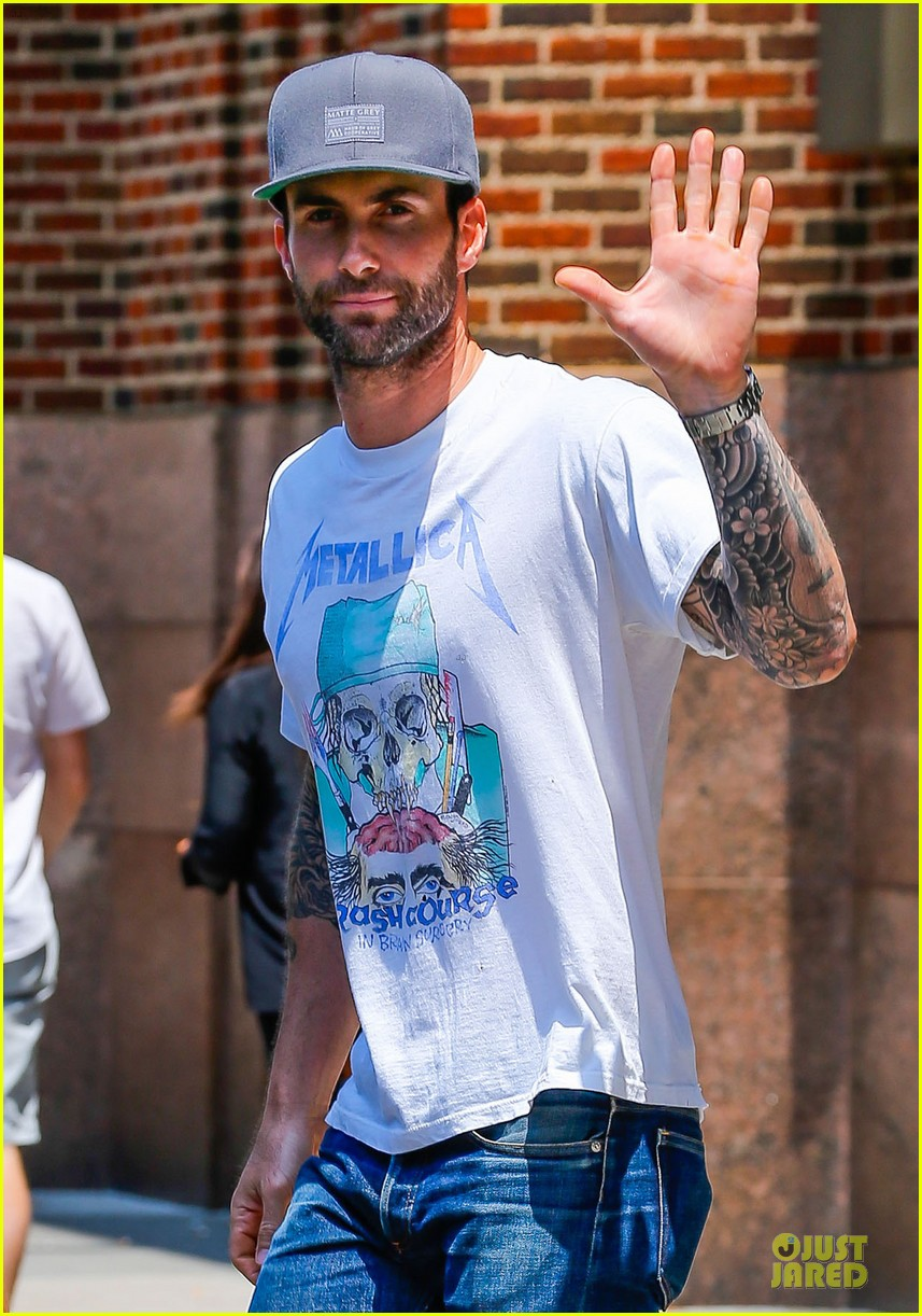 mark ruffalo is intimidated by adam levine 023145158