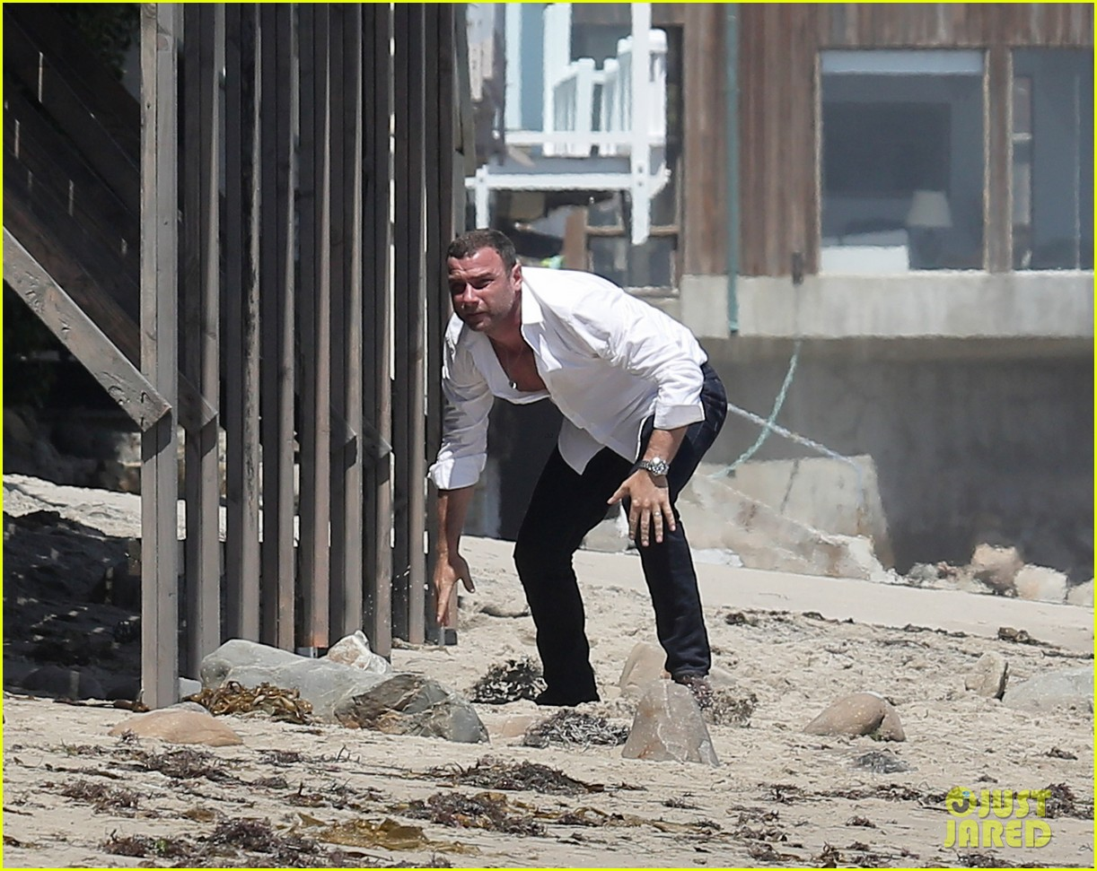 liev schreiber privacy out window naomi watts 043145941